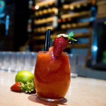 Daiquiri de fresa en bar restaurante La Malinche Santander