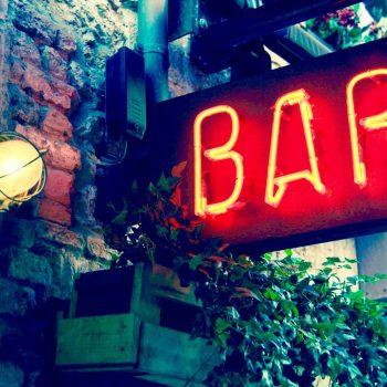 Cartel del bar neon La Malinche Santander