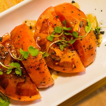 Tacos de tomate de Cantabria marinado en aceite